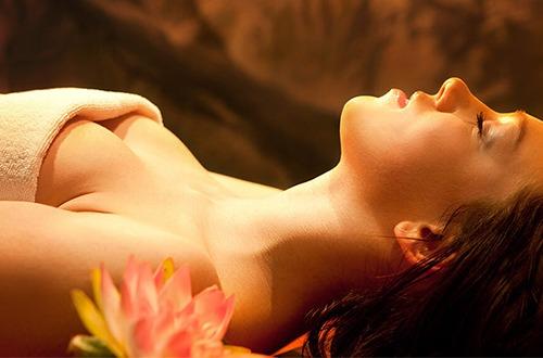 Relaxačná aromaterapeutická masáž tváre