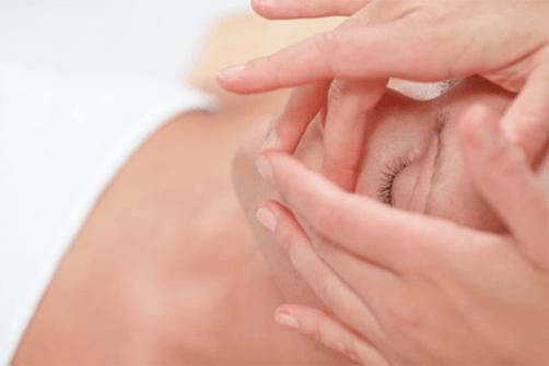Mikromasáž očného okolia